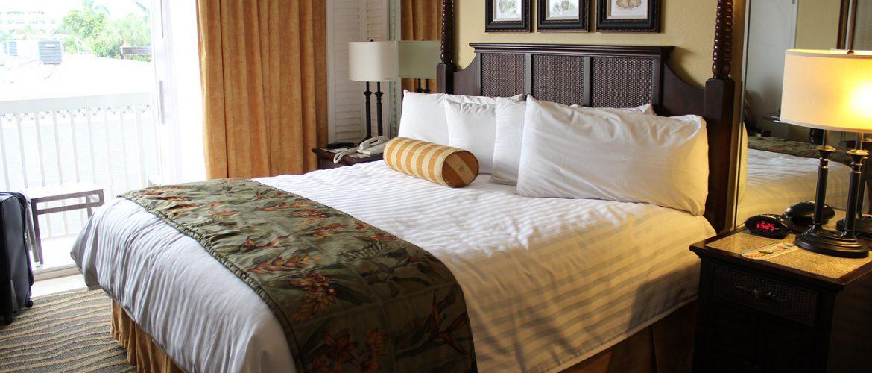 Listwy sufitowe do hoteli – detale dodające elegancji